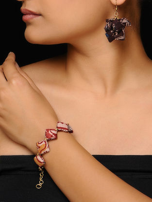 Pink-White Kalamkari-printed Fabric Earrings with Bracelet (Set of 2)