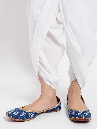 Indigo Dabu-Printed Cotton and Leather Jutti