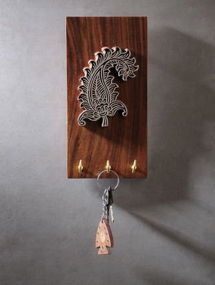 Brown Carved Wood Key Holder with Block Design (L:8in, W:4in, H:0.6in)