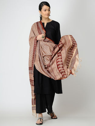 Beige-Red Bagh-printed Silk Dupatta
