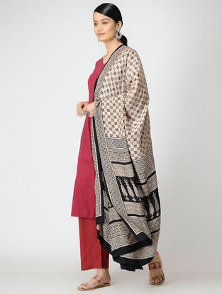Ivory-Black Bagh-printed Mulberry Silk Dupatta