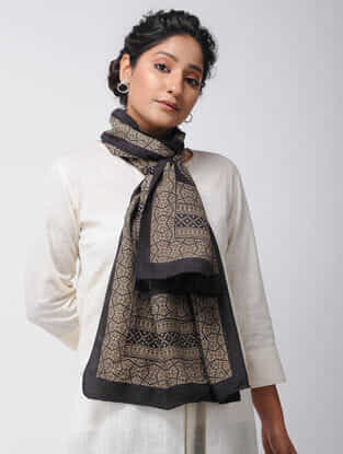 Ivory-Black Bagh-printed Silk Stole