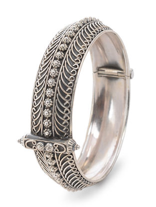 Hinged Opening Tribal Silver Bangle (Bangle Size -2/6)
