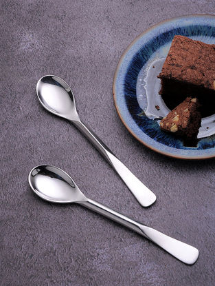 Silver Stainless Steel Dessert Spoon (Set of 6) (5.7in x 1in)