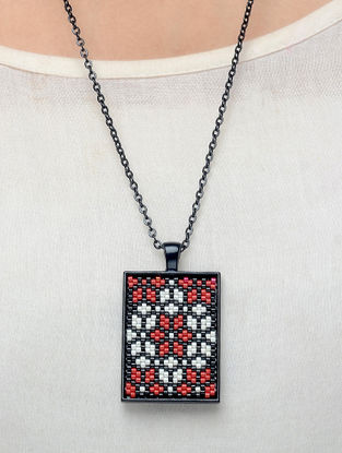 Black-Red Enamelled Glass Beaded Necklace
