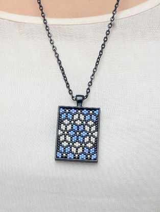 Blue-White Enamelled Glass Beaded Necklace
