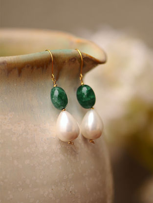 Green Onyx and Shell Pearl Gold Earrings