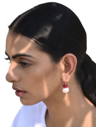 Red Jade and Shell Pearl Gold Earrings