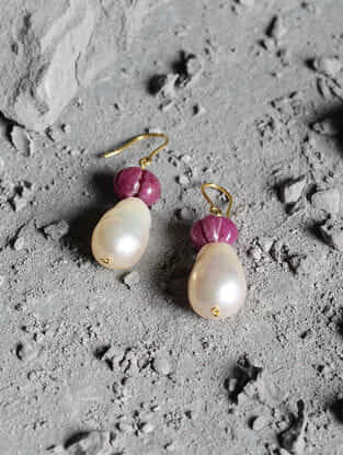 Red Jade and Fresh Water Baroque Pearl Gold Earrings