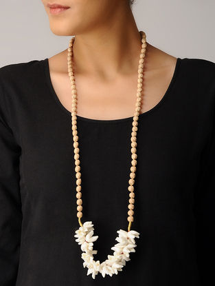Off-White Handmade Chanderi Silk Gajra Mala with Wooden Beads
