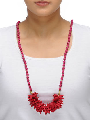 Red-Pink Handmade Chroma Silk Gajra Mala with Wooden Beads