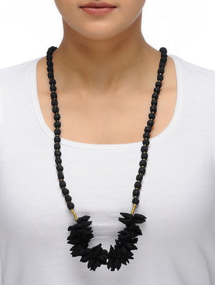 Black Handmade Chroma Silk Gajra Mala with Wooden Beads
