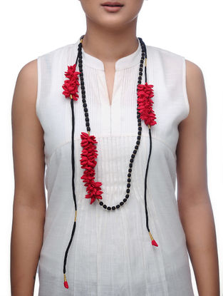 Red Handmade Chroma Silk Gajra Mala with Wooden Beads