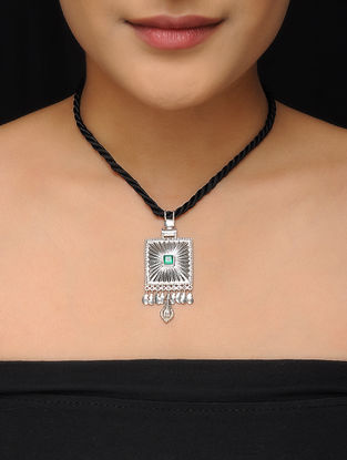 Green Faceted Onyx Silver Thread Necklace