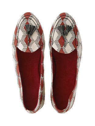 White-Red Block Printed Cotton Slip-ons with Tassels