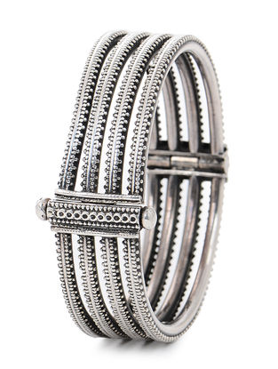 Hinged Opening Tribal Silver Bangle (Bangle Size -2/4)