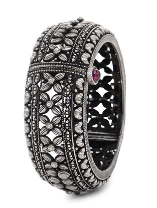 Pink Hinged Opening Tribal Silver Bangle (Bangle Size -2)