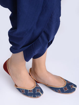 Indigo-Maroon Block-Printed Cotton and Leather Juttis
