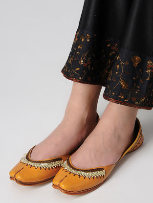 Mustard Gota Embroidered Leather Juttis