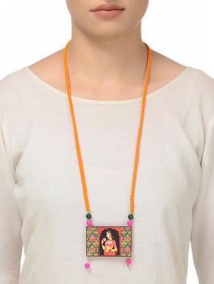 Yellow Thread Necklace with Queen Motif