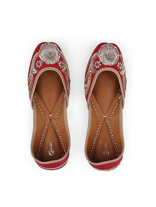 Maroon Sequins-Embroidered Silk and Leather Juttis