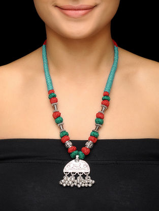 Red-Green Thread Brass Necklace