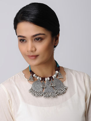 Brown-White Thread Necklace