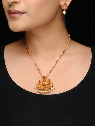 Gold Tone Copper Necklace with a Pair of Earrings (Set of 2)