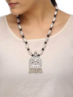 Black-White Dholki Beaded Tribal Necklace with Floral Motif