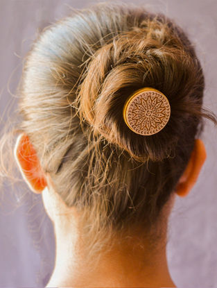 Ivory-Brown Gold-plated Brass Hair Pin
