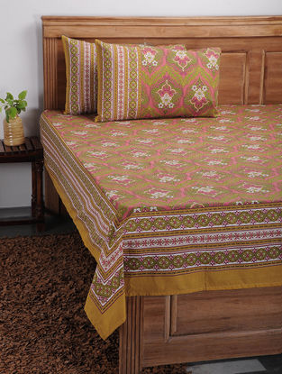 Green-Pink Printed Cotton Bed Cover with Pillow Covers (Set of 3)