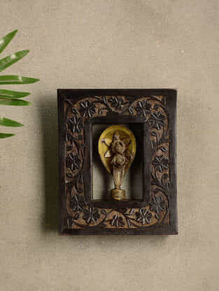 Vintage Wood and Brass Wall Accent (8.3in x 6.6in)