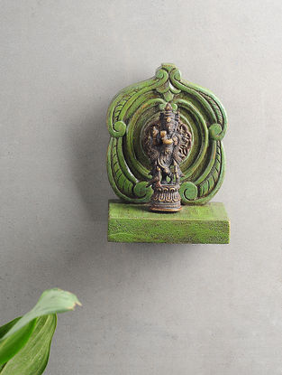 Vintage Inspired Wood and Brass Wall Accent (L:6.5in x W:4.5in)