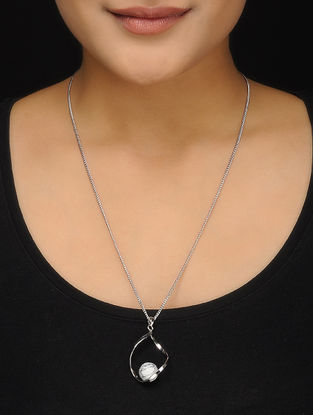 Classic Rhodium-plated Necklace