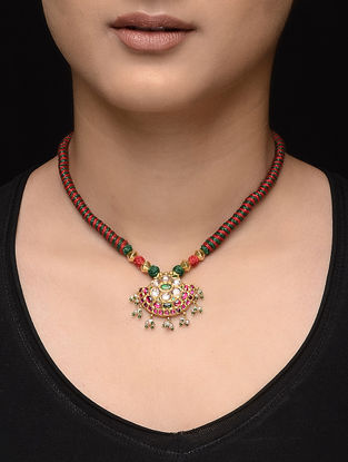 Red-Green Thread Gold Necklace with Jadau Work
