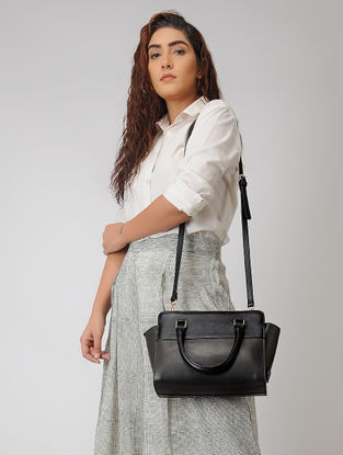 Black Hand-Crafted Leather Handbag