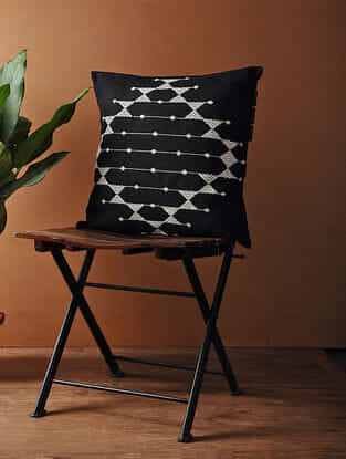 Blak-White Hand Woven Cotton Cushion Cover (18in x 18in)