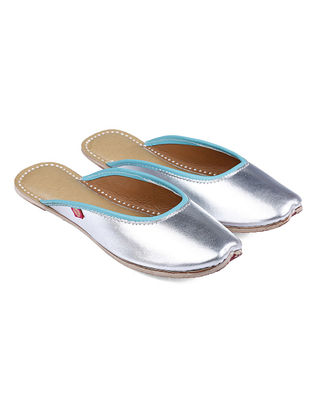 Silver-Turquoise Handcrafted Leather Juttis