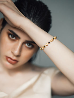 Black Onyx Gold-plated Bangle (Size -2/6)