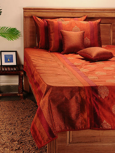 Buy A Sophisticated Home Aravali Silk and cotton bedspreads, table covers  and more for a house high on style Online at Jaypore.com