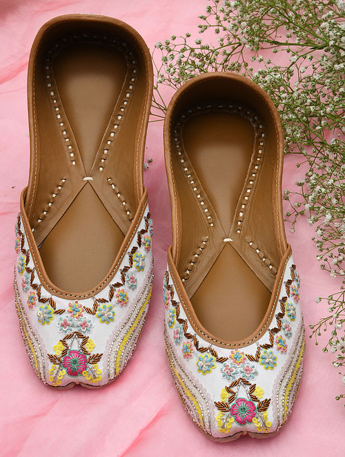 White Hand Embroidered Leather Juttis