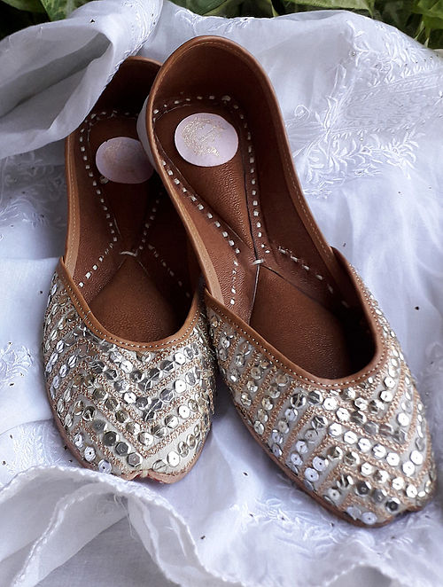 Silver Gold Handcrafted Silk Leather Juttis