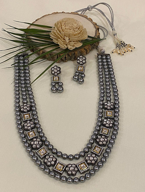 Grey Gold Tone Kundan Beaded Necklace With Earrings
