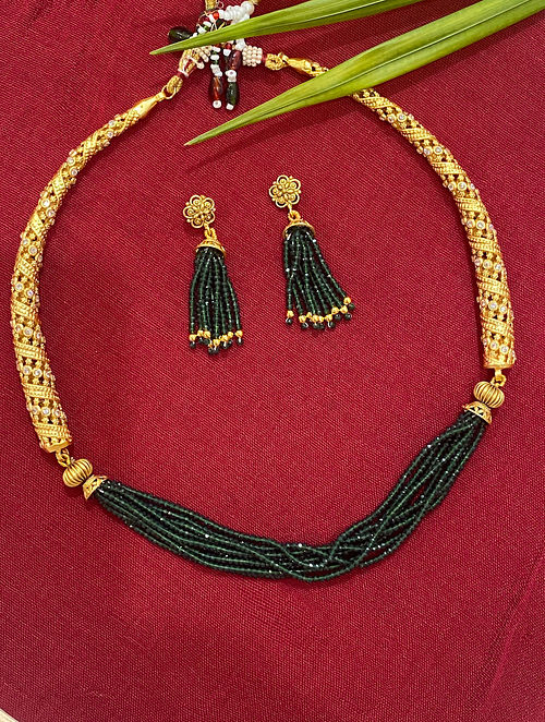Green Gold Tone Beaded Necklace With Earrings