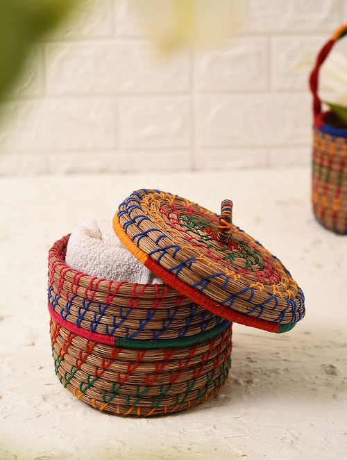 Multicolored Handcrafted Pine Needle Grass Basket With Lid (L - 6in, W - 6in, H - 4.1in)