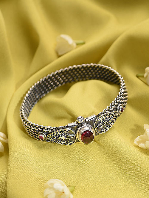 Tribal Silver Openable Bangle (Size: 2/5)
