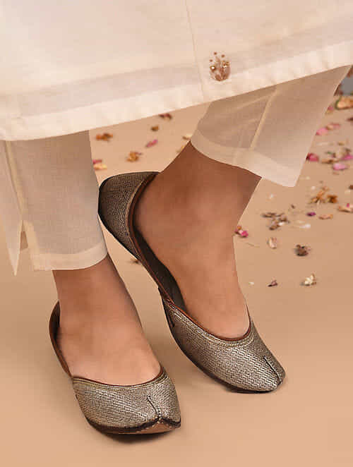 Dull Gold Handcrafted Leather Juttis