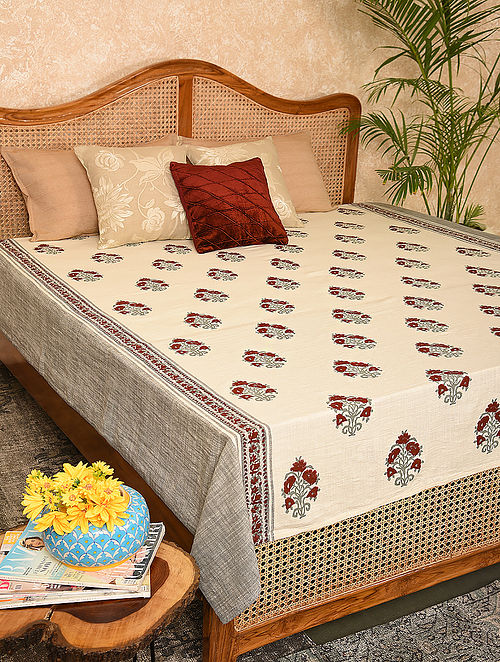 Multicolored Printed Double Bedcover (L-106in, W-88in)