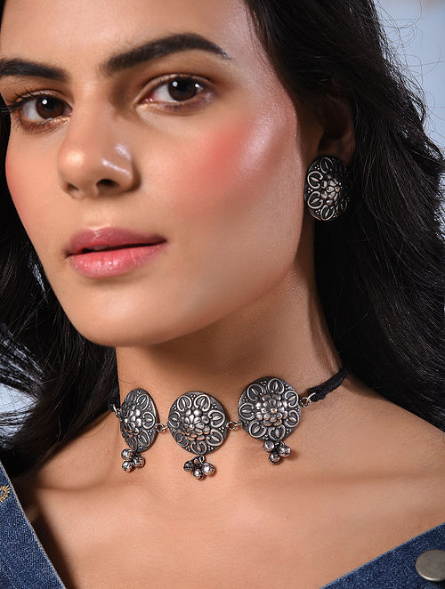 Silver Tone Tribal Choker Necklace With Earrings