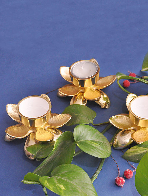 Lotus Gold Handcrafted Metal with Gold Electroplating T-light Holders (Set of 3) (3.75in x 2.75in)